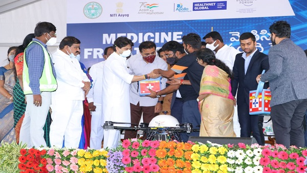 Jyotiraditya Scindia, KTR launch first-of-its-kind 'Medicine from the Sky'  project in Telangana - Oneindia News