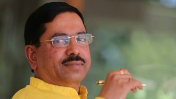 Union ministers Pralhad Joshi, Tomar likely to visit Gujarat today as BJP central observers