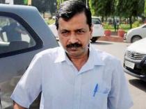 Why Kejriwal Feels He Will Be Assassinated Like Indira Gandhi 2892585.html