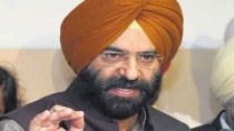 Sad Hits Back At Sonia Says Rajiv Gandhi Govt Rewarded To Kill And Humiliate Sikhs 2937733.html