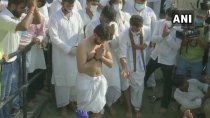 Chirag Collapses After Lighting Father Ram Vilas Paswan S Pyre 3161682.html
