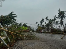 Photos: Cyclone Fani Effect In Visakhapatnam