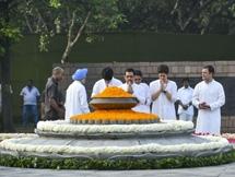 Photos: Rajiv Gandhi 75th Birthday Anniversary