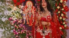 Shocking pic revealed: Now, <mark>Rahul Mahajan</mark> embarrasses Godwoman Radhe Maa