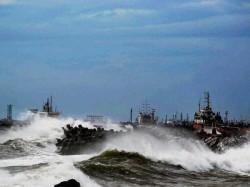 Visakhapatnam Still Without Electricity Mobile Phones