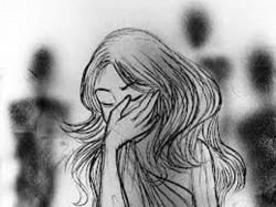 Indore Bjp Mla Thrashes 15 Drug Addicts Eve Teasing Women
