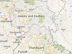 Srinagar Crpf Presents Gym Items To Police Drug Deaddiction Centre