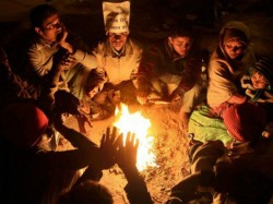 Cold Wave Conditions Continue In Telangana Andhra
