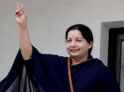 Jaya S Portrait In Tamil Nadu Govt Tableaux In R Day Parade Slammed