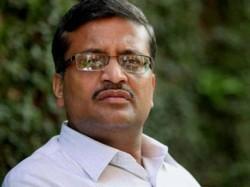 Undue Favour Robert Vadra Cag Report Vindicates My Stand Says Ashok Khemka
