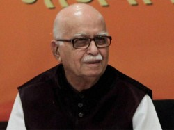 Babri Masjid Conspiracy Case Sc Issues Notice Bjp Leader Lk Advani