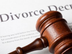 Sign Divorce Papers Or Return Alimony Court Says Historic Verdict