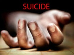 Andhra Corporator Commits Suicide
