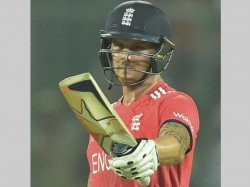 Video England S Jason Roy Obstructing The Field T20i
