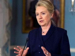 Clinton Asks Supporters Not Give Up Despite Deep Divisions