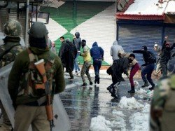 Clashes In Srinagar After Friday Prayers