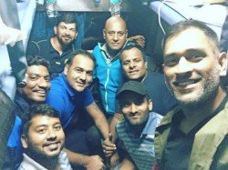 Ms Dhoni Travels Train After 13 Years With Jharkhand Teammates Vijay Hazare Trophy