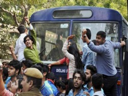 Du Unrest Students From Uk Us And Europe Show Solidarity With Du