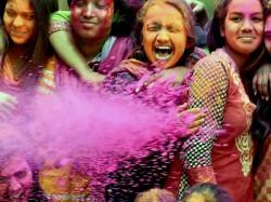 Pinjra Tod Delhi University Hostels Bar Girls From Stepping Out On Holi
