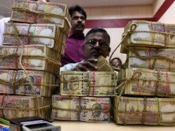 Andhra Eight People Arrested Old Currency Notes Seized