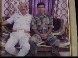 Martyred Soldier S Father Appeals Pm Modi Take Action Agains