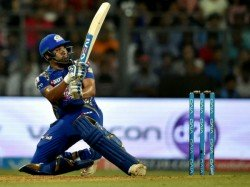 Ipl 2017 Rohit Sharma Gets Angry As Wide Controversy Hits Mi Rps Game