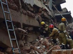 School Wall Collapse 3 Dead 4 Injured In Gujarat