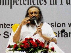 Sri Sri Ravishankar Should Be Shot Dead Says Man In Fb Post Cops On The Lookout