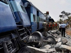 Lokmanya Tilak Train Derailment Ats Team Rushes Investigate