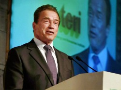 Paris Climate Deal Arnold Schwarzenegger Hits Out At Donald Trump
