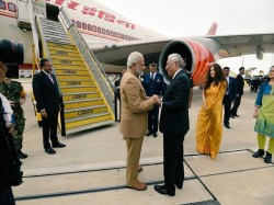 Modi Interacts With Indian Diaspora Before Emplaning Washington
