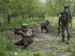 Jk Terrorists Strike At Pulwama Crpf Police Personnel Injured