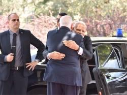 Pm Modi Meets Israel President Says I For I
