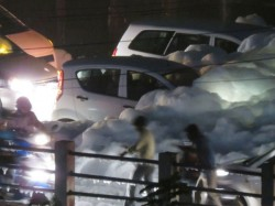 After The Rain Comes The Foam Cars Wade Through Toxic Froth In Bellandur
