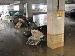 As Bengaluru Battled Heavy Flooding Siddaramaiah And Co Were Busy At Canteen