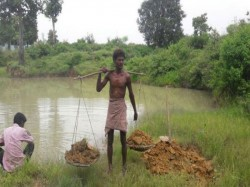 Chhattisgarh Man Gifts His Dry Village Pond After Digging It