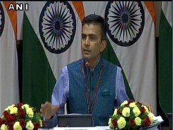 Mea Refuses Confirm If Stone Pelting Took Between India China Troops Ladakh