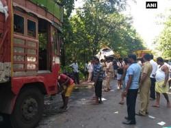 Killed In Truck Car Collision In Yellapur