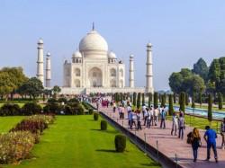 Bsp Hits At Katiyar S Remark On Taj Mahal Says Bjp Dividing Society