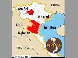 Vietnam Floods Landslides Kill 31 Thousands Evacuated