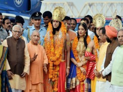Yogi S Attempt Bring Ram Rajya Up With Fake Ram Sita Looks