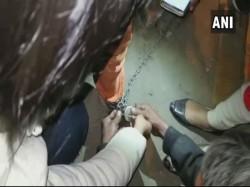 Delhi S Begging Horror Three Girls One Them Chains Rescue