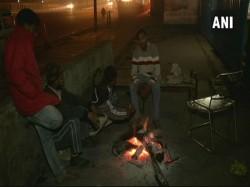 How Poor Homeless Are Surviving The Bitter Winter Delhi