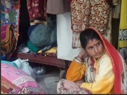 Gujarat Election Delhi S Gujarati Market Wants Bjp In Power