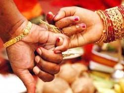 Chennai Man Marries 8 Women Cheats Them Of Rs 4 5 Crore