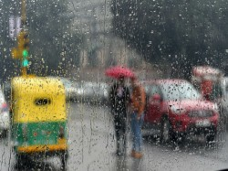 Bengaluru Amidst Election Heat Heavy Rains Bring Mercury Levels Down