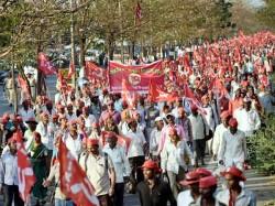 Kisan Long March Mumbaikars Distribute Food Water To Farmers