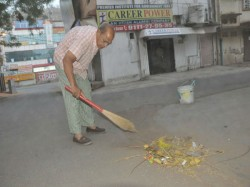 Swachh Bharat Abhiyan Meet Mp Lawyer Who Has Been Cleaning