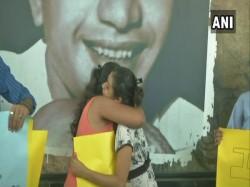 Hugs The Time Hatred Kolkata Stands Up Against Moral Polici