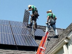 California Becomes 1st Us State To Mandate Solar Panels On Residences